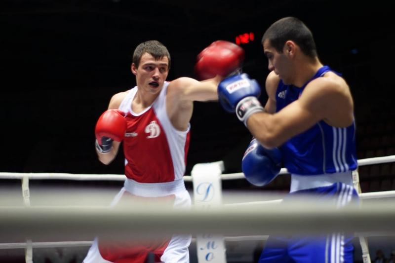 На ринге встретились спортсмены из Москвы и Московской области, Санкт-Петербурга и Ленинградской