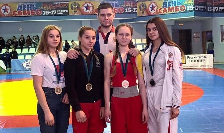 Спортсменки Челябинской области стали лучшими на чемпионате и первенстве УрФО по боксу. В