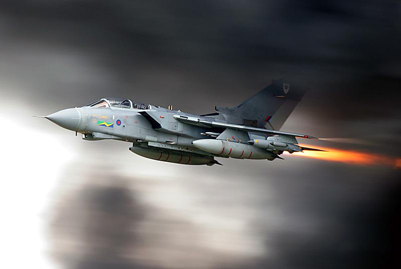 Как сообщает агентство Reuters, массированные удары авиации международной коалиции нанесены по го