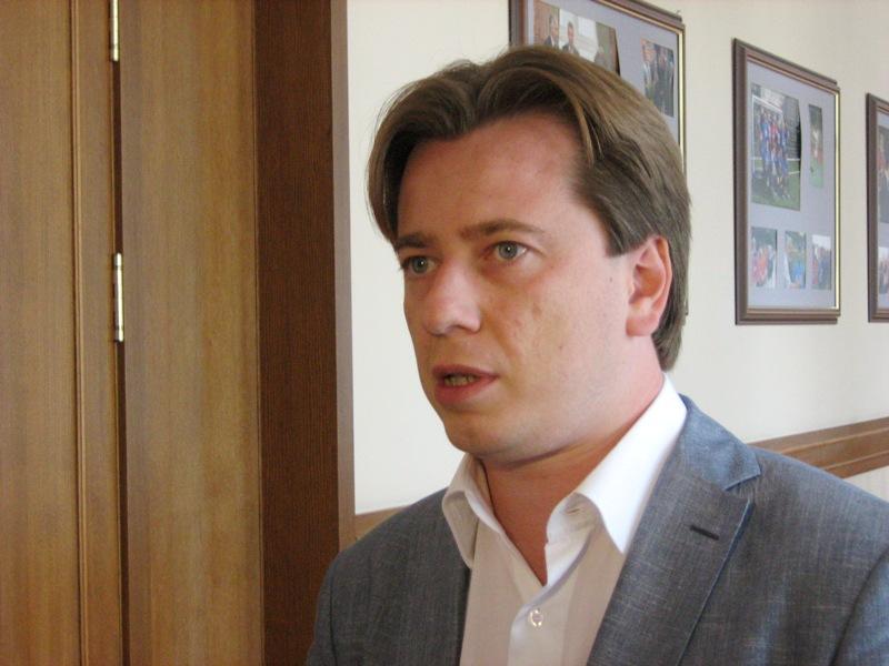 Глава фракции «Единой России», секретарь Генсовета партии, вице-спикер Госдумы Сергей Неверов нап