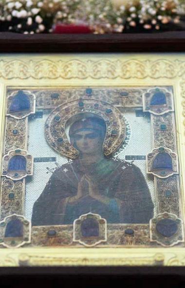 В Челябинскую область везут мироточивую икону Божией Матери «Умягчение злых сердец». Четыре дня,
