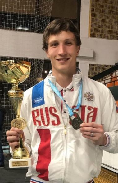 В городе Новый Сад в Сербии завершился чемпионат и первенство мира по гиревому спорту. В составе