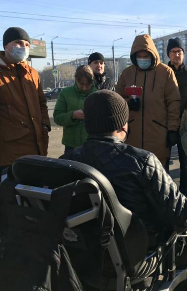 Власти города Челябинска до 15 ноября обещают исправить огрехи дорожного ремонта на перекрёстке у