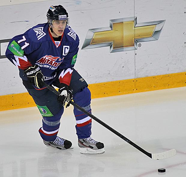 Как сообщает официальный сайт ХК «Металлург», Евгений Малкин сменил в качестве капитана Дениса Пл