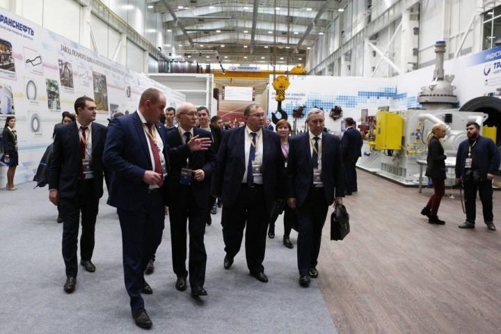Сегодня, 9 ноября, участники российско - казахстанского форума посетили выставку «Развитие челове