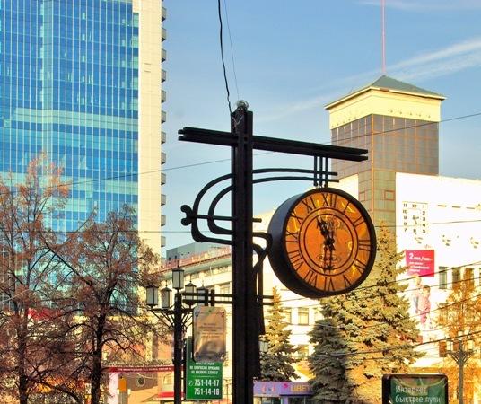 В 9 часов губернатор Челябинской области Борис Дубровский проведет заседание правительства (улица