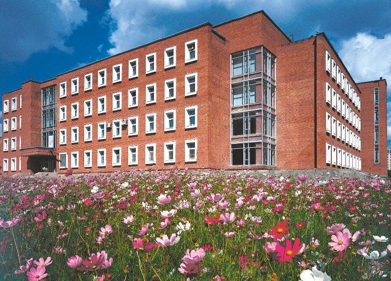 Каждую неделю в Челябинском госуниверситете проводится «Зеленый понедельник»: университетские пре