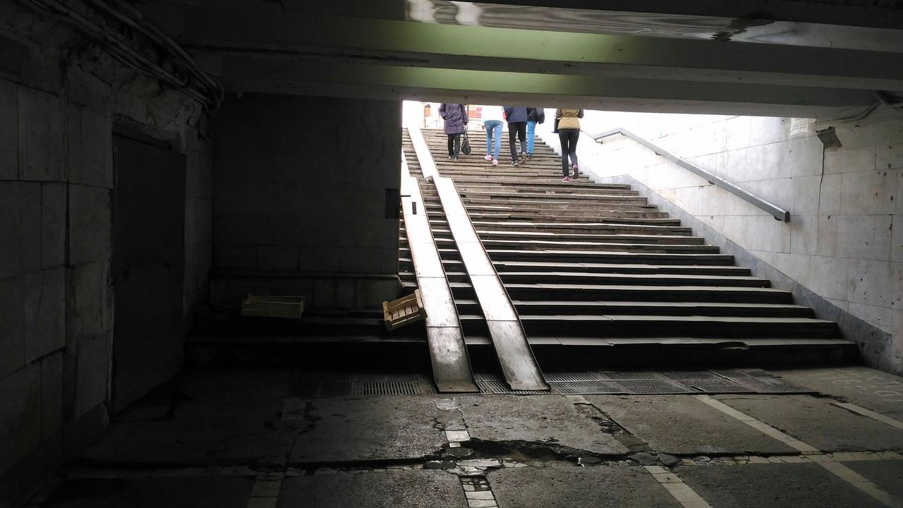 В Челябинске сегодня, 24 апреля, начался долгожданный ремонт обоих подземныхпереходовна площади