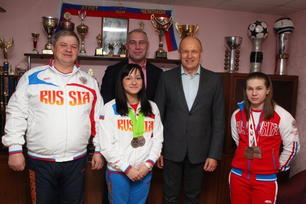 Глава городской администрации Сергей Давыдов побывал в детско-юношеской спортивной школе «Атлет»,