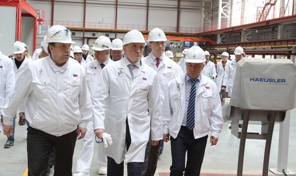 В рамках визита глава региона осмотрел основные цеховые агрегаты прессово-заготовительного, сваро