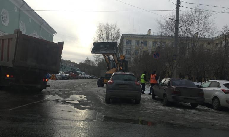 «Магия» Навального сработала – в Челябинске подрядная организация оперативно убрала снежную кучу,