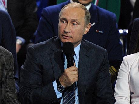 Отвечая на вопрос Алины Никоновой, почему российские чиновники предпочитают лечиться за границей,