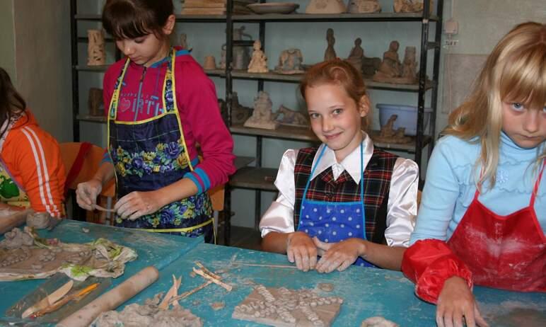 В Челябинске сегодня, десятого сентября, открывается дополнительный корпус детской художественной