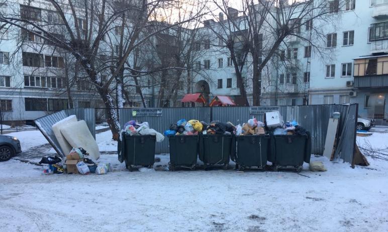 В понедельник утром, 7 декабря, жители двора в центре Челябинска заметили неприятное зрелище. Мус