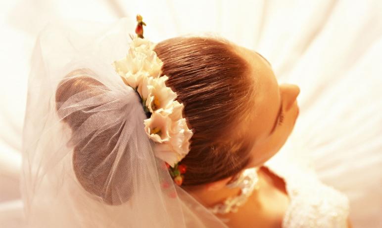 В День семьи, любви и верности, восьмого июля, свой брак зарегистрируют 152 пары. Число желающих