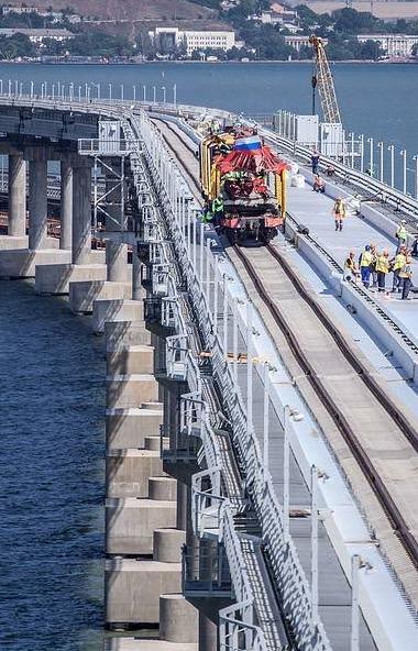 В Крыму на полгода отложено введение в эксплуатацию железнодорожного подхода для грузовых составо