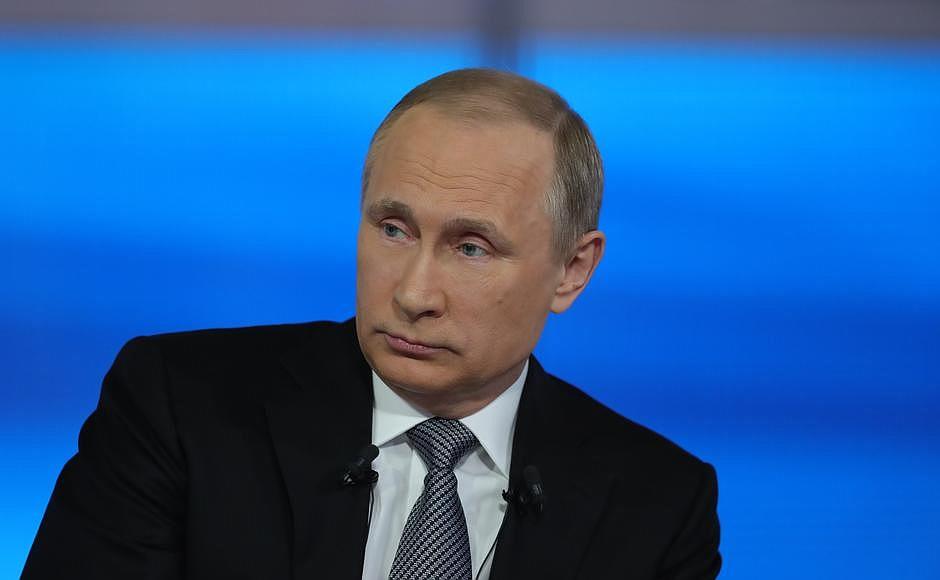 Владимиру Путину сказали, что в газетах появилась информация о новом браке его бывшей жены - Людм
