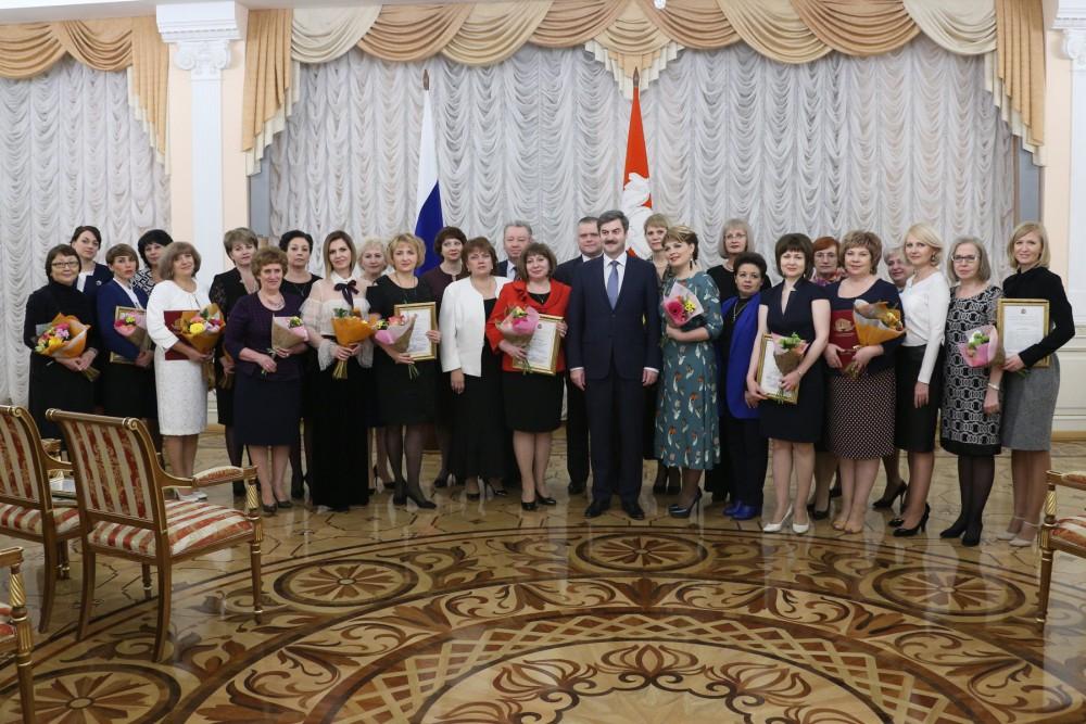 Губернатор Борис Дубровский высоко оценил работу органов ЗАГС области. «В Челяби