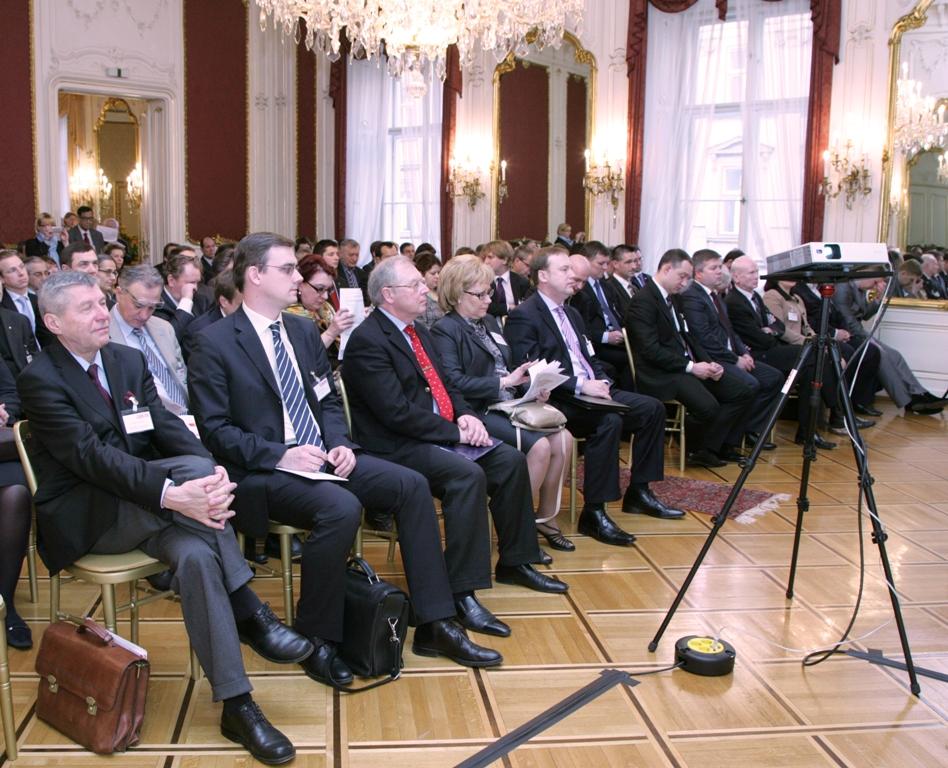 Как сообщил агентству «Урал-пресс-информ» из Австрии член делегации, генеральный директор Агентст