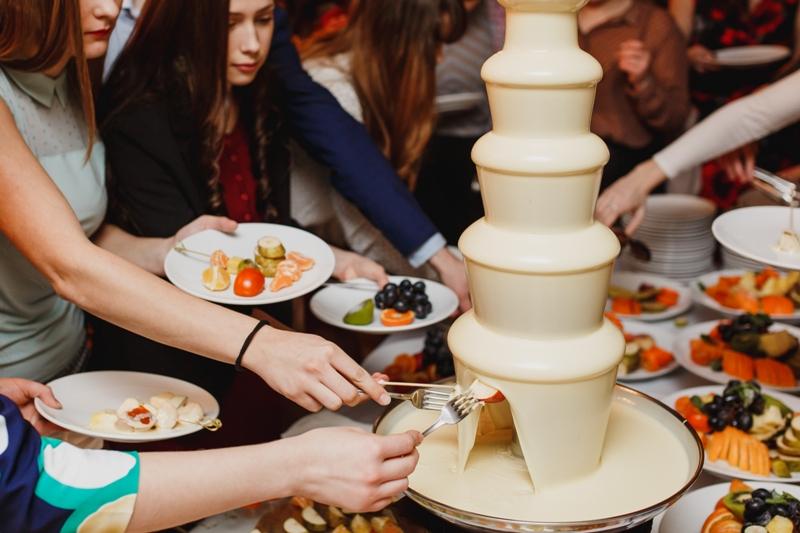 В Челябинске в среду, 23 января, накануне Татьяниного дня включат шоколадные фонтаны. Студенты Юж