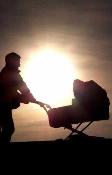 В России не многие знают, что отпуск по уходу за ребенком можно оформить не только на мать, но и
