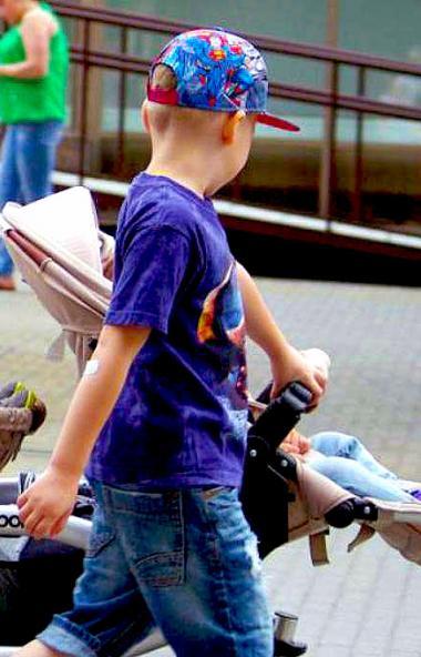 Жители Челябинской области, воспитывающие детей в возрасте от трех до семи лет, смогут получать е