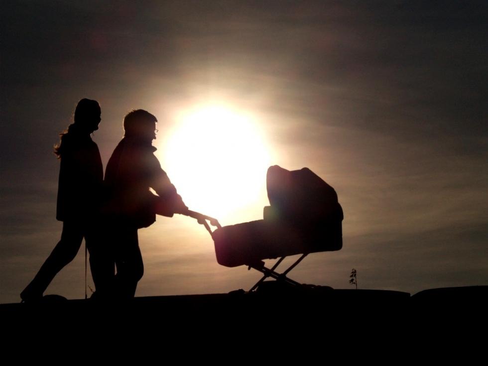 В Челябинской области в первый месяц лета органы ЗАГС зарегистрировали две тысячи 917 новорожденн