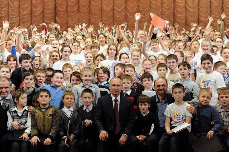 Сегодня, 21 декабря, состоится первая репетиция, а 25 декабря детский хор выступит в Кремлевском
