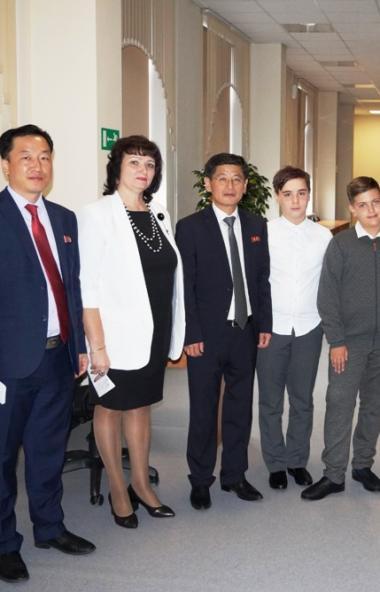 Студию «Детского телевидения» в Челябинске посетили гости из КНДР в сопровождении министра культу
