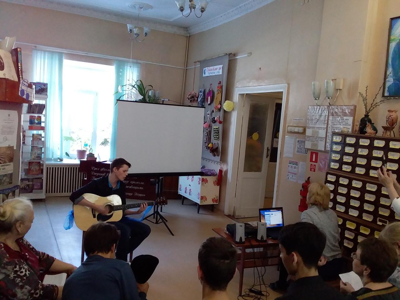 В городе Коркино (Челябинская область) сегодня, 21 марта, отметили Всемирный день поэзии. Праздни