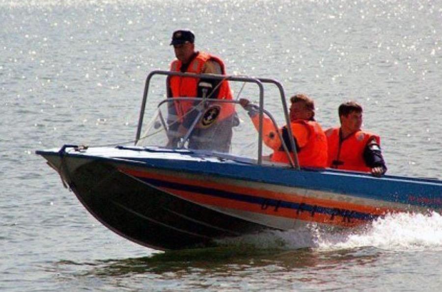В Челябинске на озере Смолино едва не утонул семилетний мальчик. ЧП на воде произошло вчера, деся