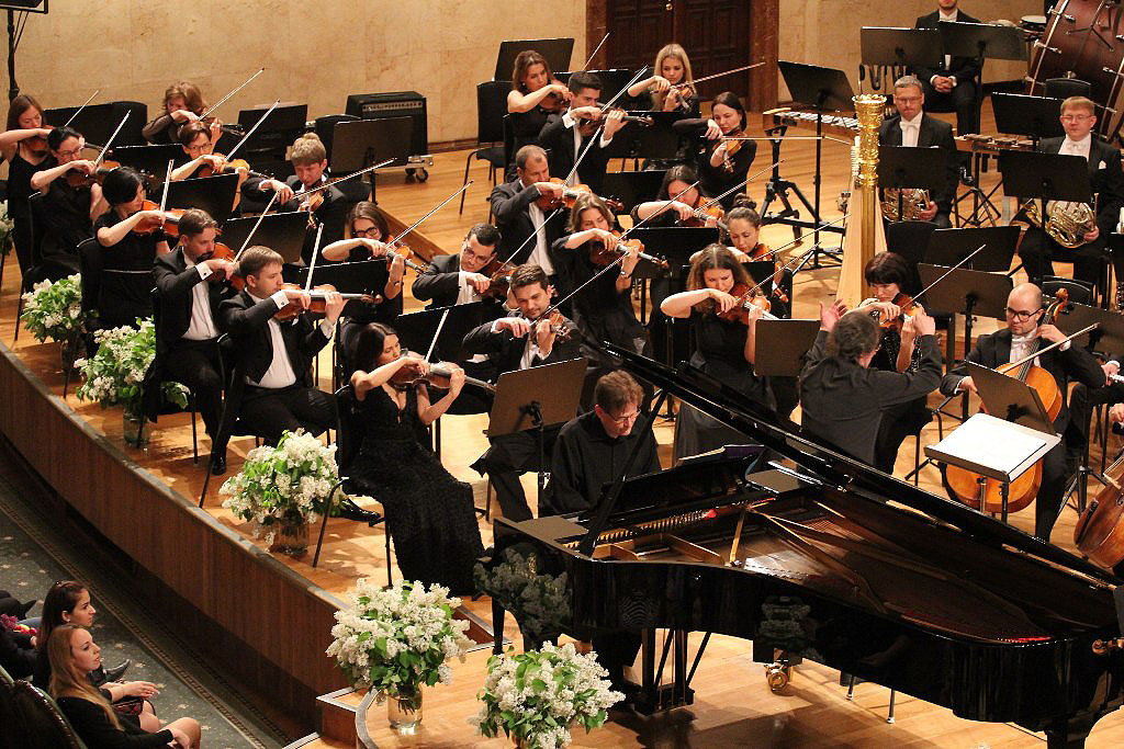 Государственный симфонический оркестр республики Татарстан под руководством Александра Сладковско