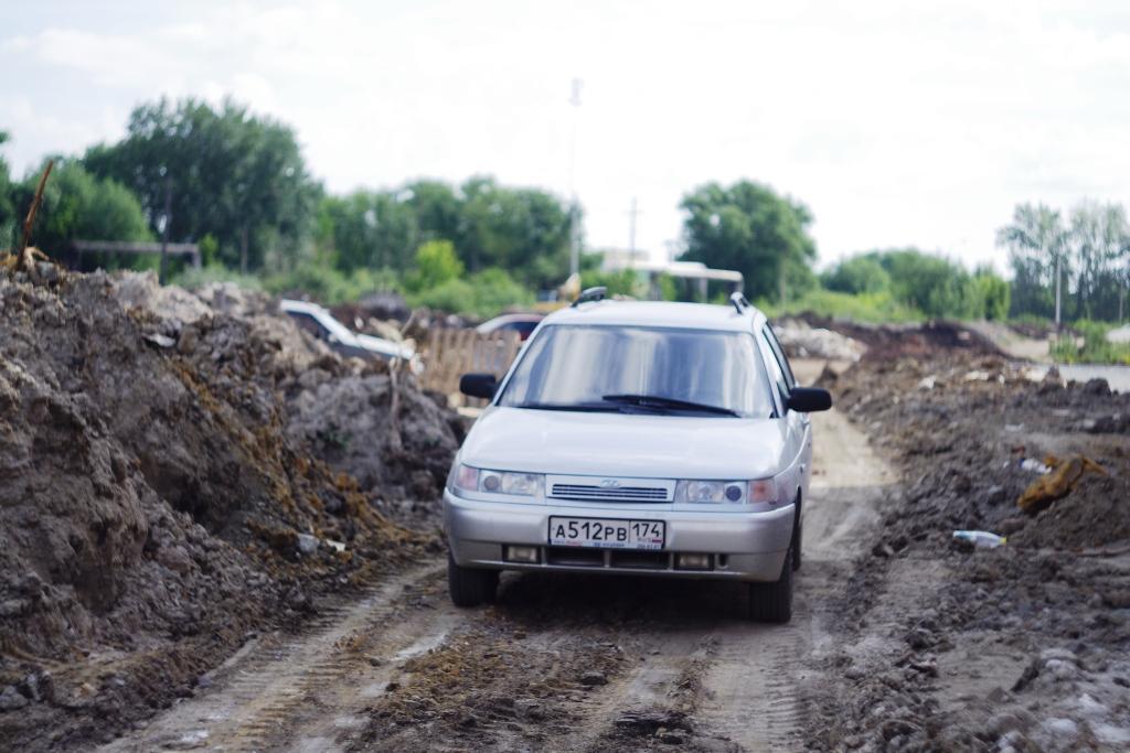 В этом году планируется запустить второй выезд из поселка: сейчас строится дорога, которая выйдет