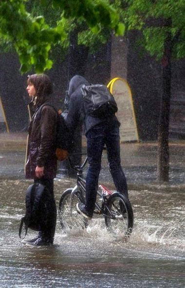 В Челябинской области продлено штормовое предупреждение – продолжатся сильные дожди, сохранится п
