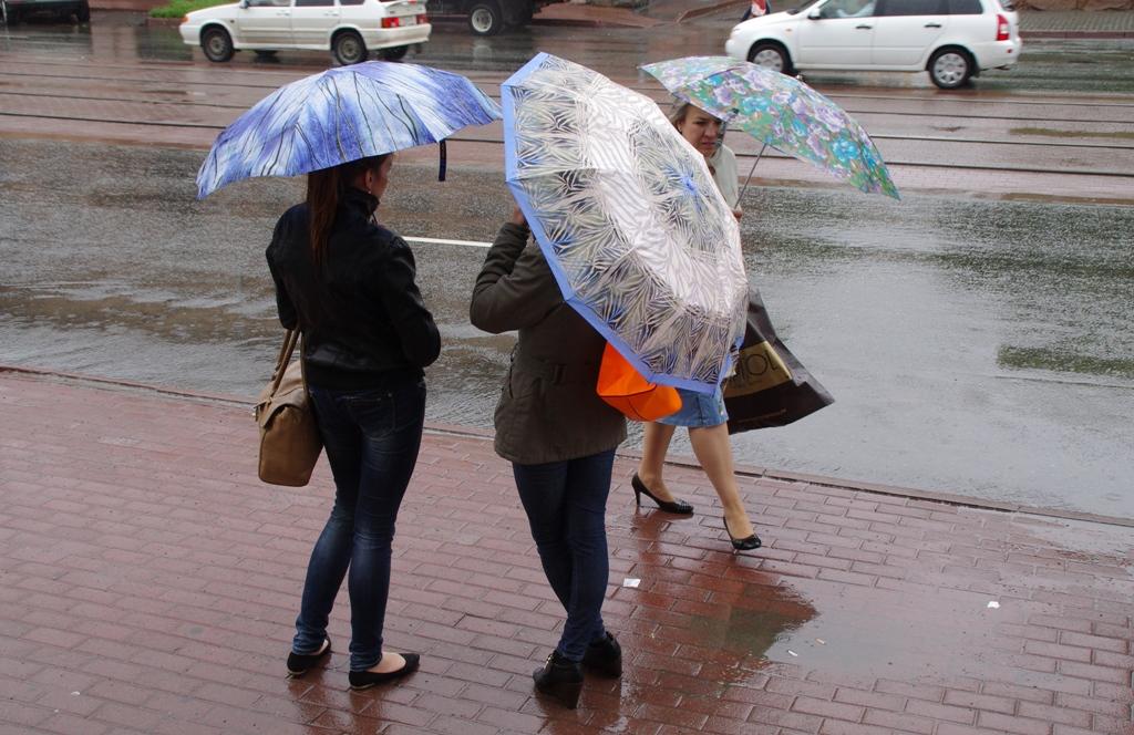 В Челябинской области вновь продлено штормовое предупреждение в связи с прогнозируемыми ливнями,