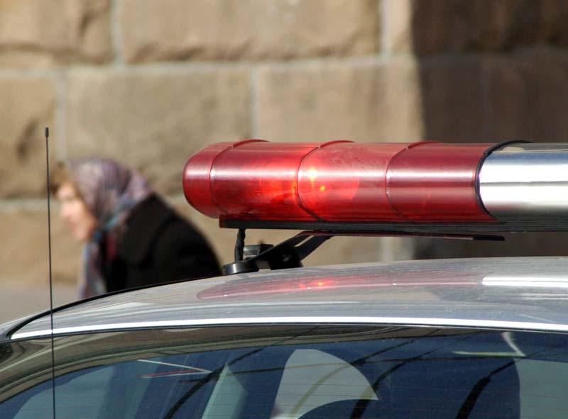 Сообщение о странном предмете поступило в полицию около 11 часов утра. Сотрудники нашли бесхозный