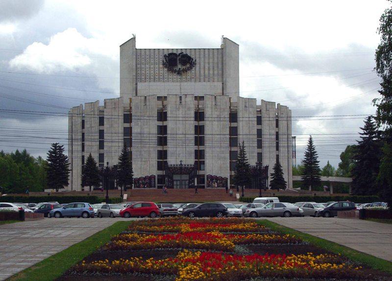 Театр на Таганке впервые за все время своего существования приехал в Челябинск. По словам Валерия
