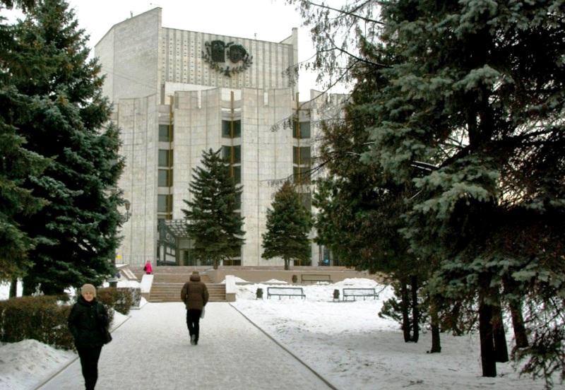 Как сообщила заведующая литературной частью театра Елена Ляпунова, завтра (3 декабря в 12 часов)