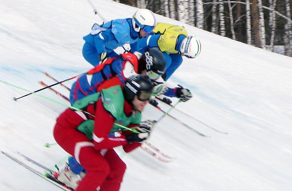 В мужском зачете на старт вышли 32 спортсмена. В связи с травмами от борьбы отказались победитель