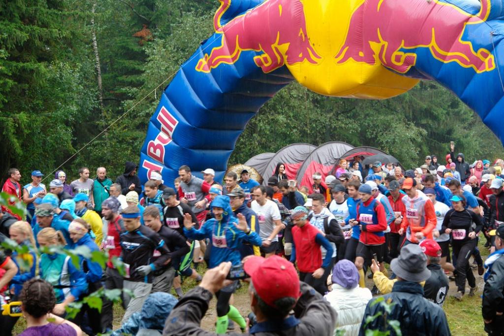 Соревнования проводятся на трех дистанциях: 12, 30 и 42 километра. Трасса марафонской дистанции п