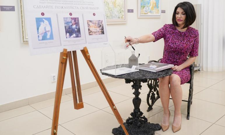 Челябинскому музею изобразительных искусств подарят картину Никаса Сафронова. Выбрать произведени