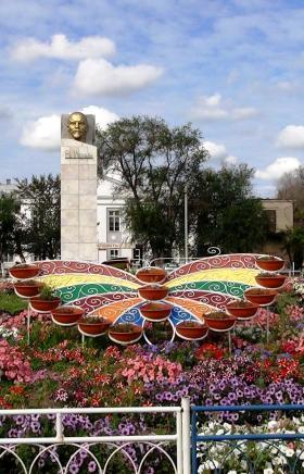 В Челябинской области в результате народного проекта озеленяются территории парков и скве