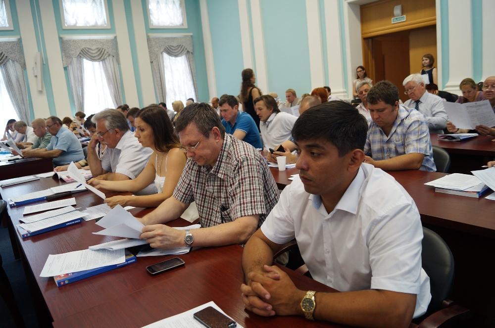 Члены областной Общественной палаты, выступившие в качестве организаторов презентаций и публичной