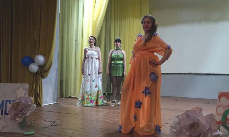 В женской колонии №4 Челябинска выбрали новую Мисс Весну. Конкурс красоты и талантов по традиции