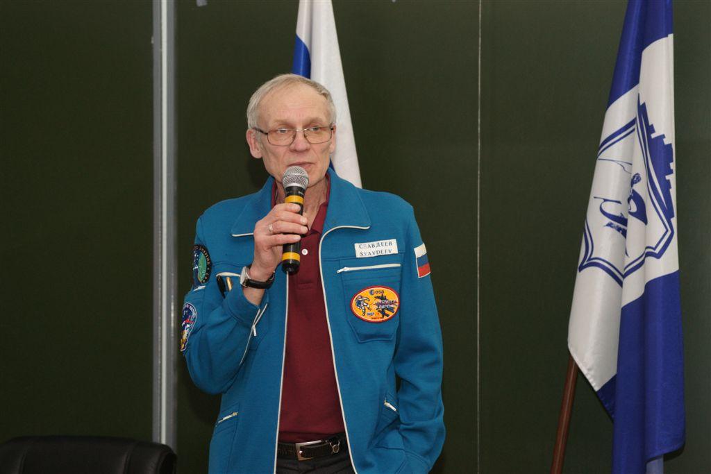 В частности, в Миассе череда «космических» мероприятий, организованная специалистами Роскосмоса и