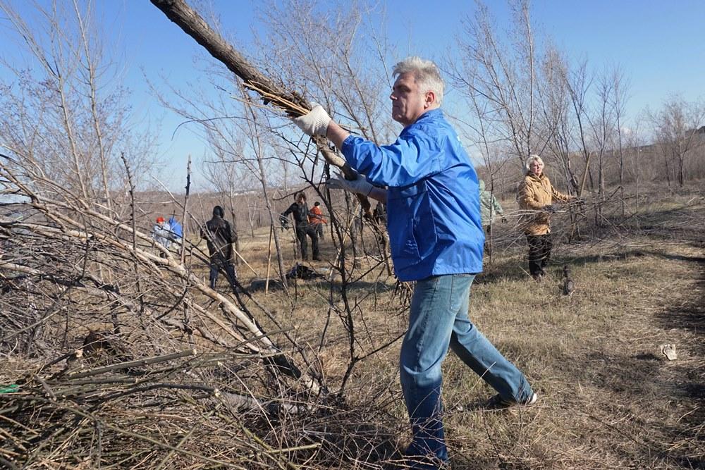 Сегодня, 8 апреля, в Магнитогорске стартовала пора весенних субботников, которая закончится тольк