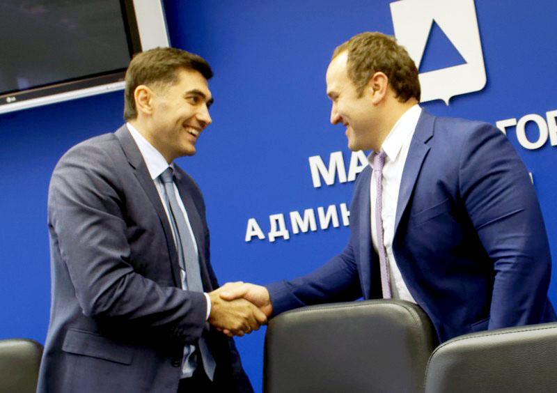 Предложил кандидатуру председателя член областной избирательной комиссии Евгений Максимо