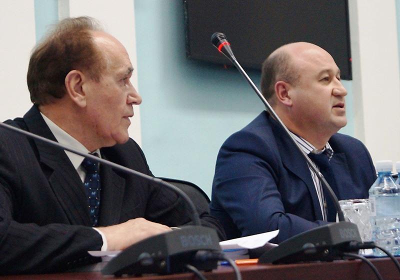 Открыл заседание председатель областной Палаты Вячеслав Скворцов. Он напомнил, что главная цель р