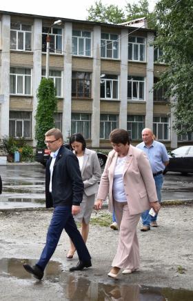 Глава региона Алексей Текслер с рабочим визитом посетил сегодня, 29 июля, Металл