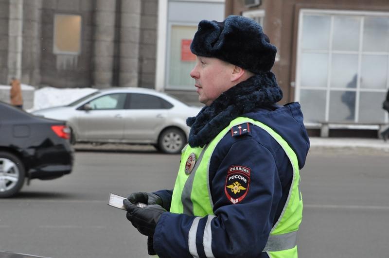 Инспектор ДПС из Челябинска Сергей Милюков, которого в соцсетях прозвали «самым добрым гаишником»